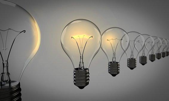 電球 気づきをイメージ